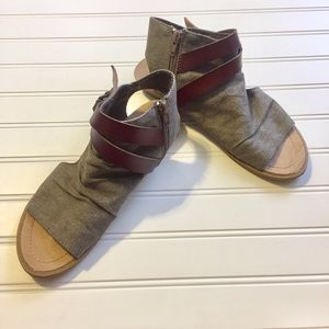 Fabric Sandals with Buckle